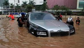 Mobil Anda Terendam Banjir?